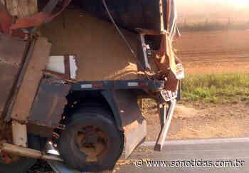 Colisão entre carretas deixa BR-163 interditada em Nova Mutum - Só Notícias