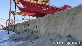 Gradone sulla spiaggia a Lido di Camaiore: l'allarme dei balneari - Il Tirreno