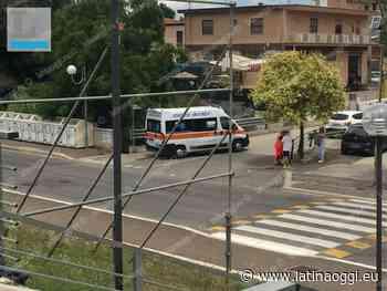 Incidente in centro tra un'auto e una bicicletta, ferito un ciclista - latinaoggi.eu