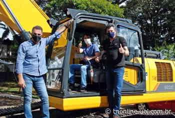 Prefeitura de Faxinal recebe novos maquinários - TNOnline - TNOnline