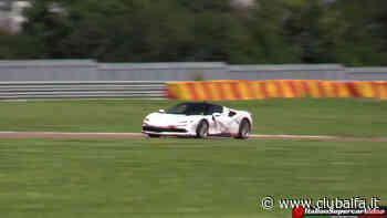 Ferrari SF90 Stradale sfreccia sul circuito di Fiorano | Video - ClubAlfa.it