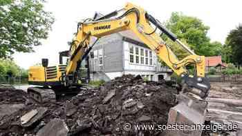 Großbaustelle in Weslarn: Bagger knabbern an Asphaltschicht - Soester Anzeiger