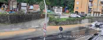 Maltempo, allagamenti a Nembro Acqua e fango: Statale 42 in tilt - L'Eco di Bergamo