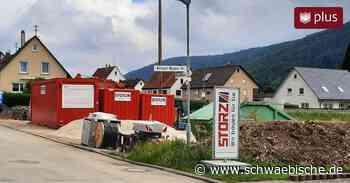 In Rietheim-Weilheim arbeitet die Baufirma derzeit von zwei Seiten gleichzeitig. - Schwäbische