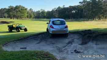Bestuurder rijdt zich vast op … golfbaan in Kapellen - Gazet van Antwerpen