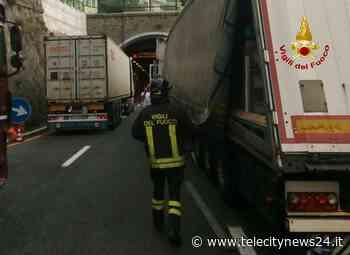Incidente tra mezzi pesanti su A10 tra Arenzano e Voltri - Telecity News 24