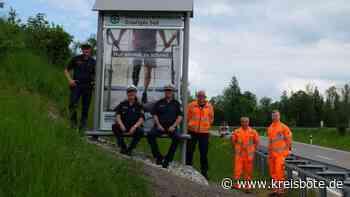 Verkehrswacht stellt neue Tafel an der Umfahrung Pfronten-Kappel auf - Kreisbote