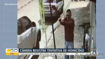 Câmera registra quando homem é baleado em calçada de Cristalina - G1
