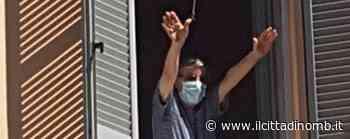 Macherio: guarito dal virus don Luigi Sala si affaccia a salutare i parrocchiani - Il Cittadino di Monza e Brianza