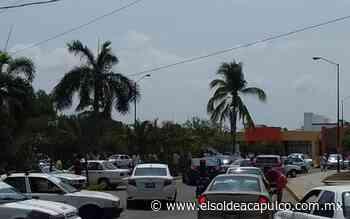 Taxistas bloquearon ruta fraccionamiento Real del Palmar - El Sol de Acapulco