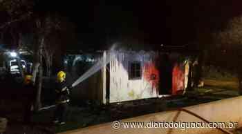 Residência é destruída por incêndio no centro de Maravilha - Portal DI Online