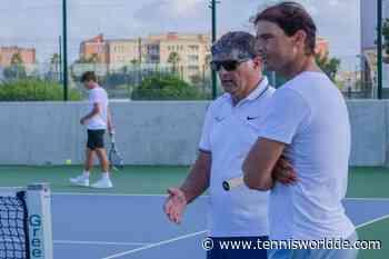 Rafael und Toni Nadal beobachten Junioren an der Rafa Nadal Academy - Tennis World DE