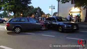 RIVAROLO CANAVESE – Scontro in corso Italia; coinvolta una terza vettura parcheggiata (FOTO) - ObiettivoNews