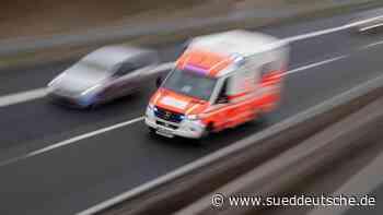 Unfall mit vier Lkw auf A61: Ein Fahrer schwer verletzt - Süddeutsche Zeitung