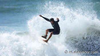 ¡Unidos por las olas! Policía rural de Jucuarán organizó torneo de surf con jóvenes de la localidad   Noticias de El Salvador - elsalvador.com