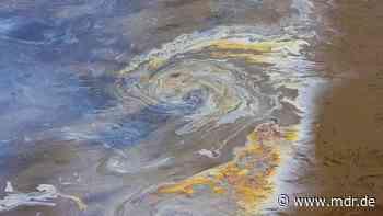 Kreis Greiz: 500 Liter Heizöl in Fluss gelaufen - MDR