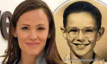 Jennifer Garner posts Father's Day tribute to her dad Billy Jack... as fans call them twins - Daily Mail