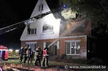 Uitslaande brand vernielt lege villa