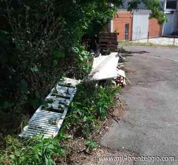 Opera. Da Melegnano abbandona rifiuti sul marciapiede: denunciato - Mi-Lorenteggio