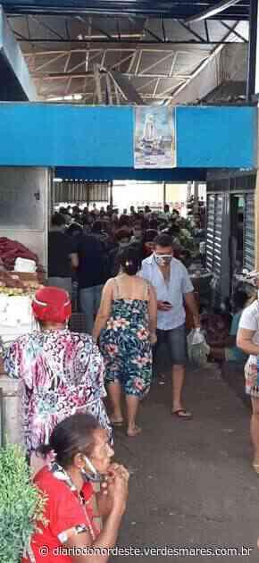 Prestes a entrar em 'lockdown', mercado municipal de Juazeiro do Norte tem aglomeração no domingo - Diário do Nordeste