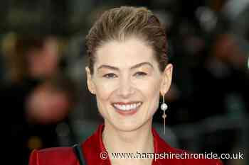 Rosamund Pike used to feel like she was being 'eaten alive' at red carpets - Hampshire Chronicle