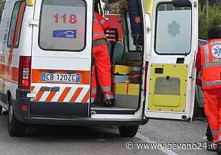 Mortara: frontale tra due auto in via Parona-Cassolo, ferite 4 persone - Vigevano24.it