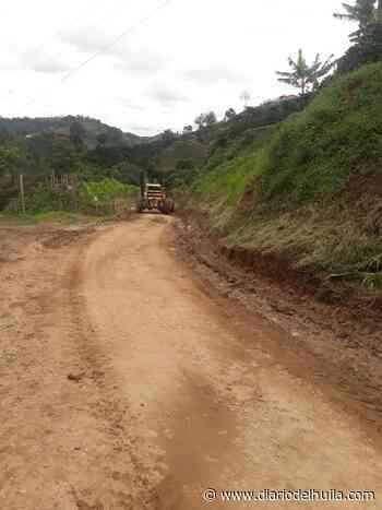 Entes gubernamentales trabajan en pro de rehabilitar vías en Oporapa - Diario del Huila