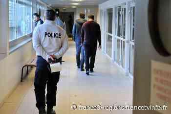 Coronavirus : libération de personnes étrangères retenues au centre de rétention de Cornebarrieu près de Toulo - France 3 Régions