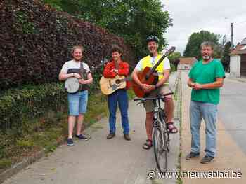 Met straatmuzikanten en openluchtcinema wordt het toch een gezellige zomer - Het Nieuwsblad