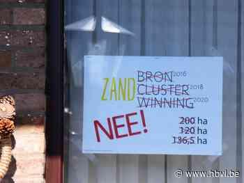 Affiches tegen zandwinning in Kaulille - Het Belang van Limburg