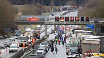 A9 bei Allershausen: Chemikalien-Transporter in Unfall verwickelt - Merkur.de