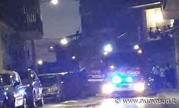 Paura a Floridia, auto va a fuoco al Corso mentre era in movimento - Nuovo Sud
