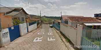 Comunidade ateia fogo em casa de suspeito de estupro em Ouro Branco - Mais Minas
