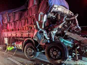 Caminhoneiro e ajudante morrem na Bandeirantes (SP-348), em Jundiaí - Estradas