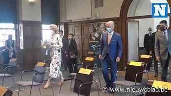 Koning Filip en koningin Mathilde brengen bezoek aan Tropisch Instituut in Antwerpen - Het Nieuwsblad
