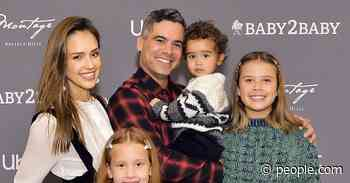 How Jessica Alba and Husband Cash Warren Parent Their Three Kids: 'We're Not Raising A--holes' - PEOPLE
