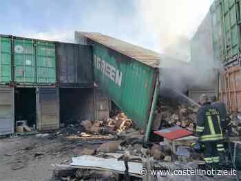 Ciampino - In fiamme un container in via Bandini. In azione i vigili del fuoco di Marino - Castelli Notizie
