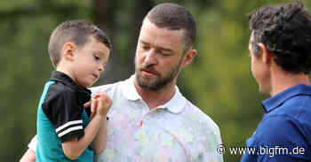 """Justin Timberlake bringt Silas bei """"jedem Menschen Respekt und Liebe entgegenzubringen"""" - bigFM"""