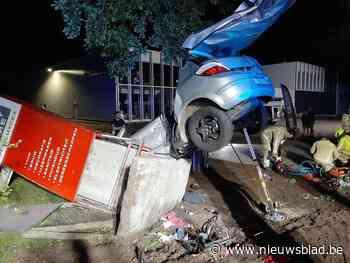 Fatale crash tegen betonnen sokkel van Legerstock Luyckx in Lommel