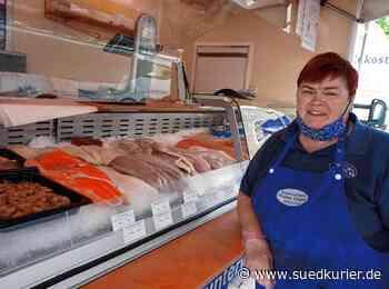 Waldshut-Tiengen: Auf dem Tiengener Wochenmarkt: Der Fischhandel Walter Geiger aus Salem bietet eine große Auswahl - SÜDKURIER Online