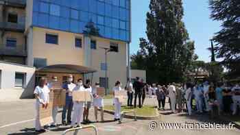 Hôpital de Privas : le directeur et des cadres reçoivent la prime Covid-19 maximale, les syndicats manifestent - France Bleu