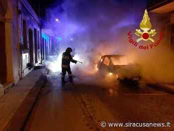 Auto in fiamme nella notte a Priolo Gargallo, denunciato l'autore - Siracusa News