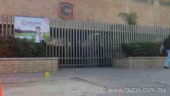 Con detectores de metal, Colegio Cervantes de Torreon reanuda clases - La Razon