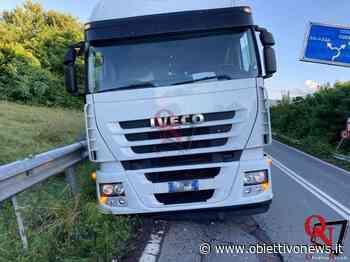 RIVAROLO CANAVESE / SALASSA – Mezzo pesante esce di strada; disagi al traffico durante il recupero (FOTO) - ObiettivoNews