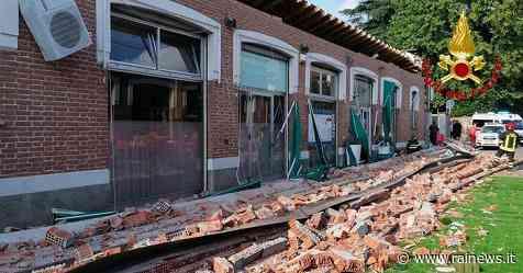 Crollo del cornicione ad Albizzate, aperto fascicolo inchiesta per omicidio e disastro colposo - Rai News