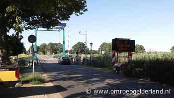 Ophaalbrug bij Laag-Keppel wordt nat gehouden vanwege de hitte - Omroep Gelderland
