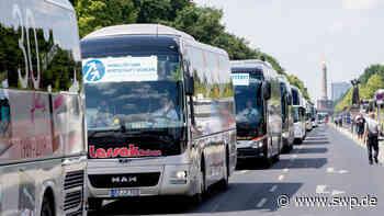 Corona Rettungsschirm Reisebusunternehmen: Wie ein Busunternehmen aus Bad Urach gegen die Krise kämpft - SWP