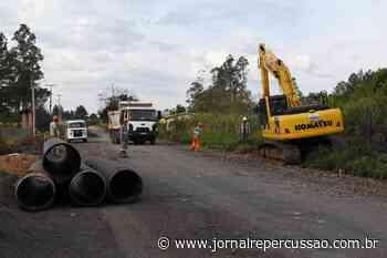 Rua Dois de Dezembro receberá asfalto nos próximos dias, em Nova Hartz - Jornal Repercussão