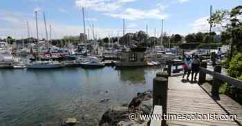 Potential oil spill near West Bay Marina investigated - Times Colonist