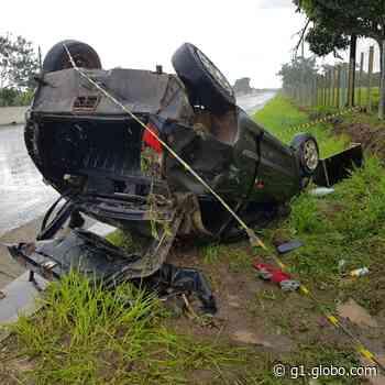 Motorista fica ferido ao capotar carro na AL-220, em Arapiraca - G1